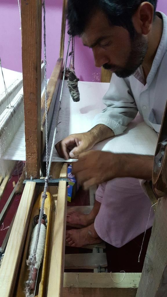 Hasina weaving 1.jpg