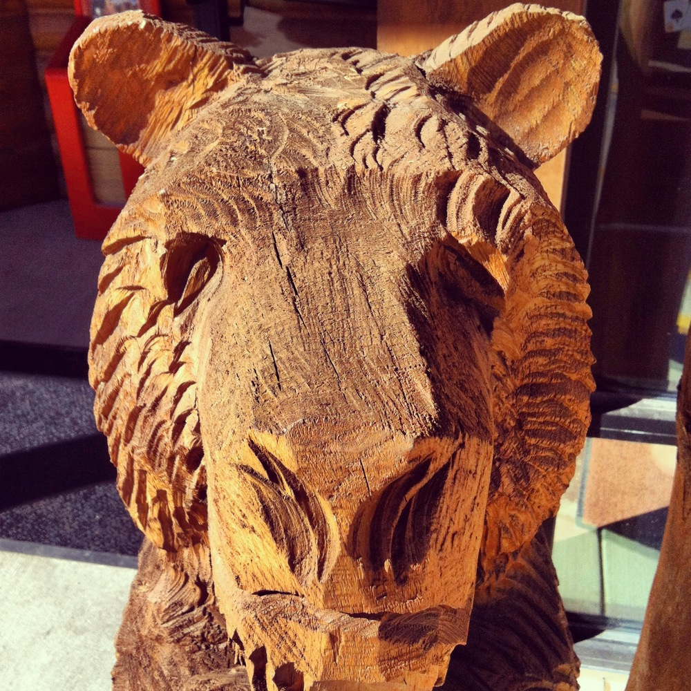South Dakotan chainsaw art.
