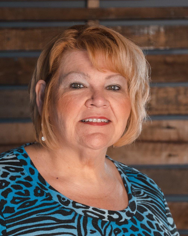 Linda Bush   Receptionist   618.667.8221 x100