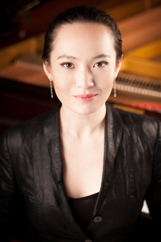 Dora Galit - Pianist