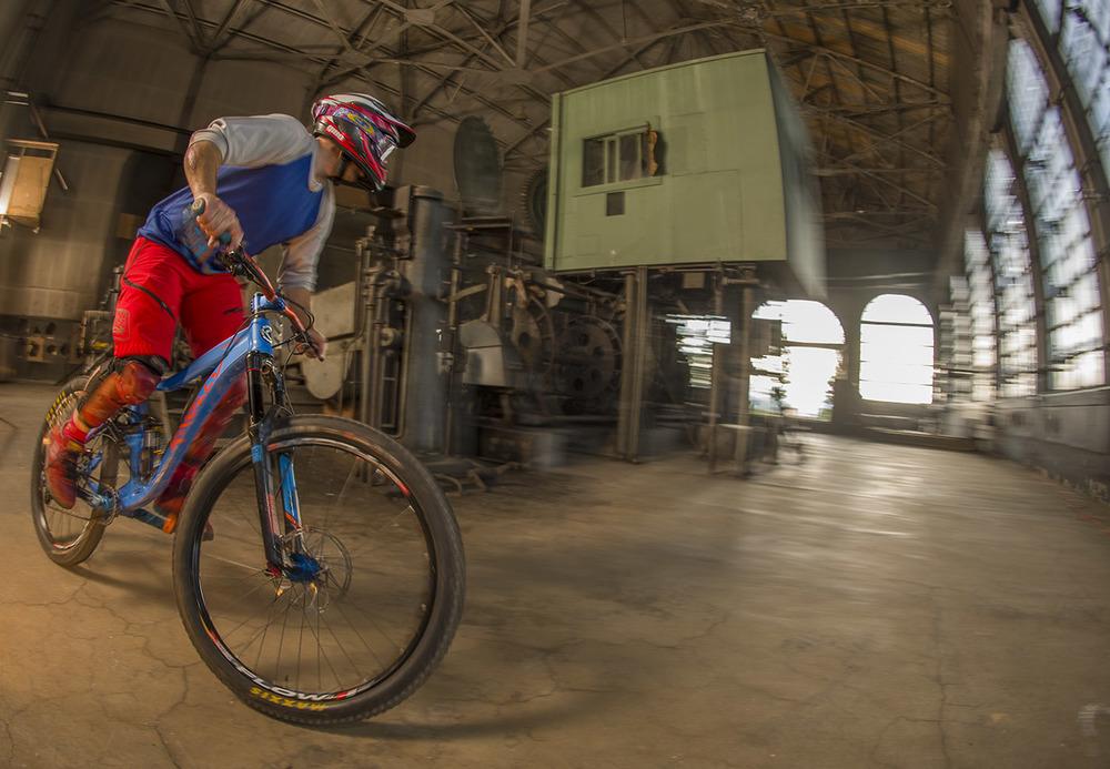 Evel Urban DH - The Con