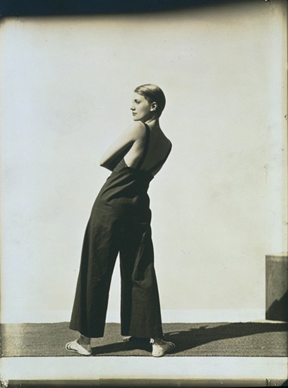 Lee Miller by George Hoyningen-Hugene    via: smut-to-go :
