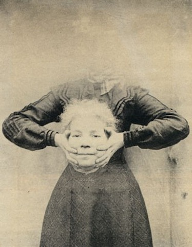 Freaky, Headless Victorian-Era Portraits Made with Early Photoshop