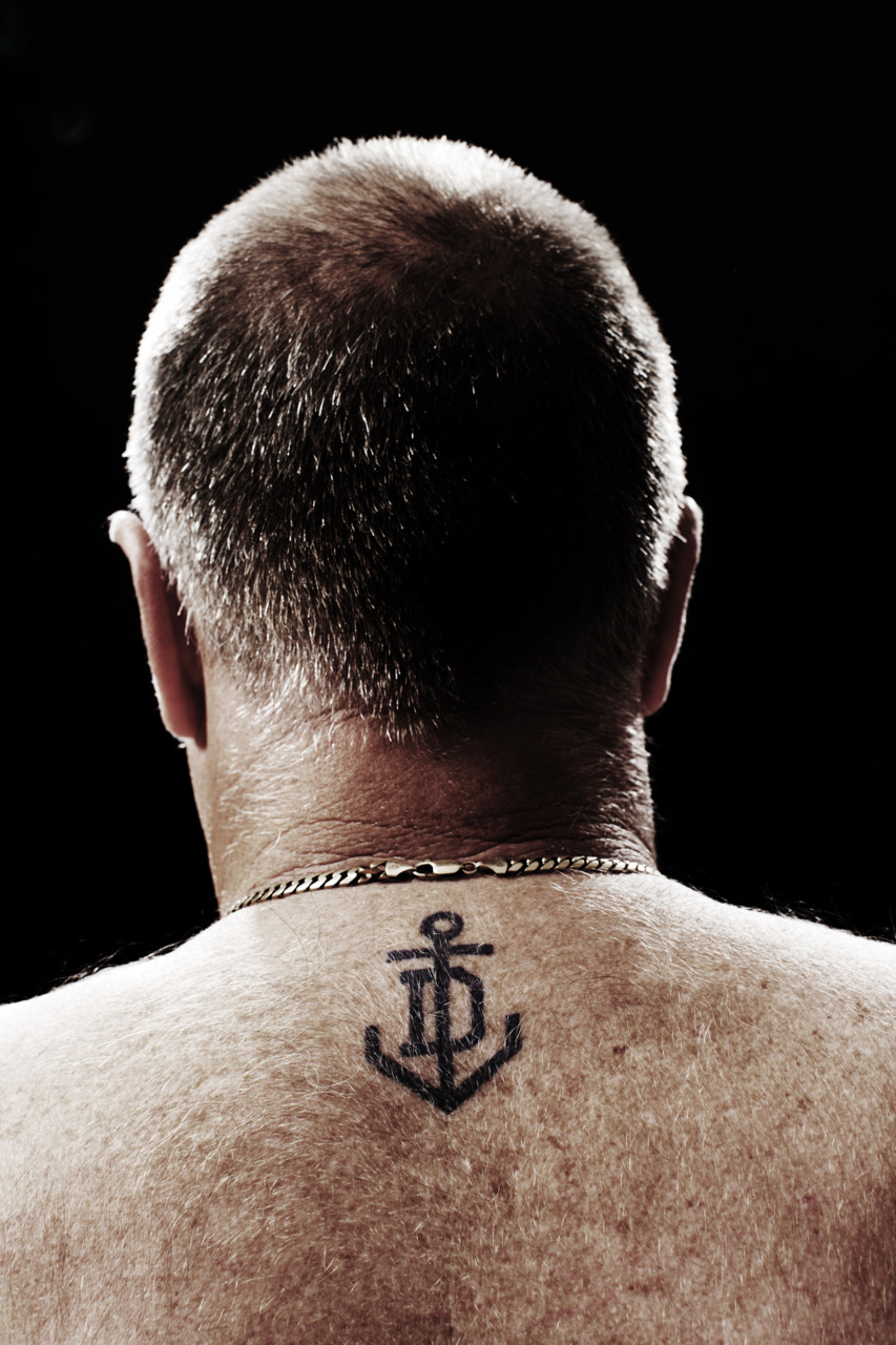 blockbranding: The first time (that we are aware of) that one of our logos has been tattooed on someone. Fremantle Dockers.
