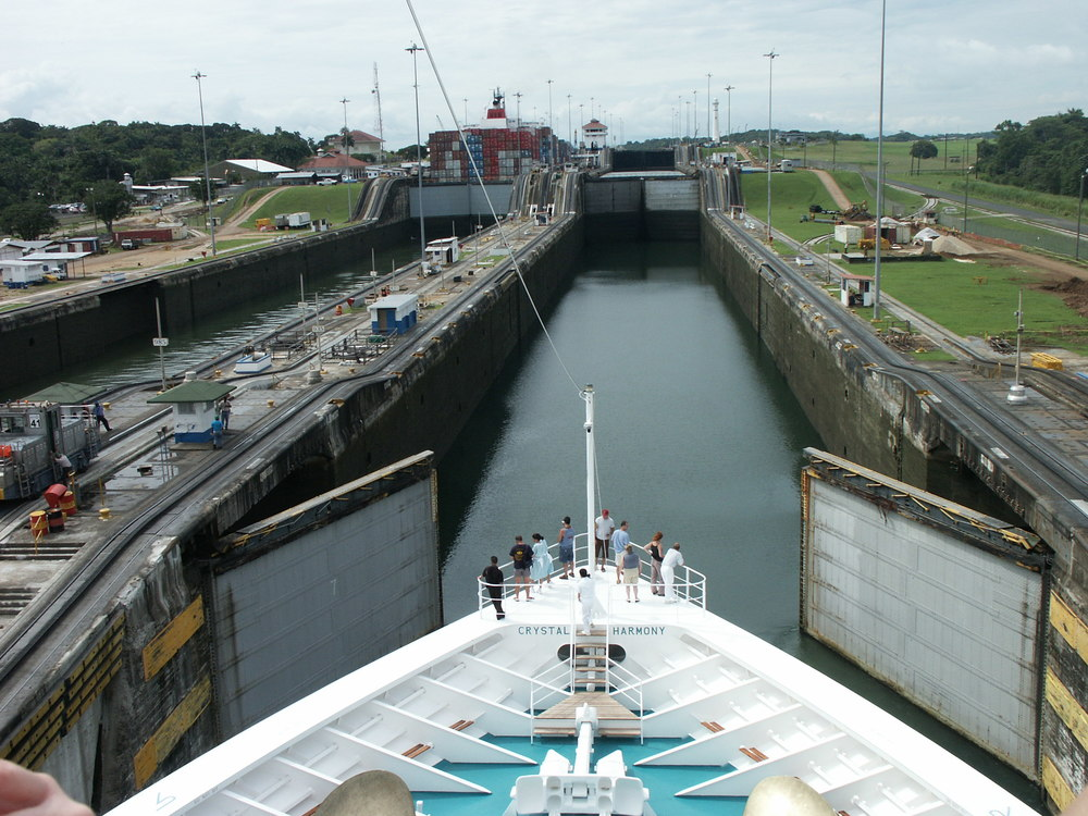 Like the Panama Canal only bigger... (photo by William Laurance)