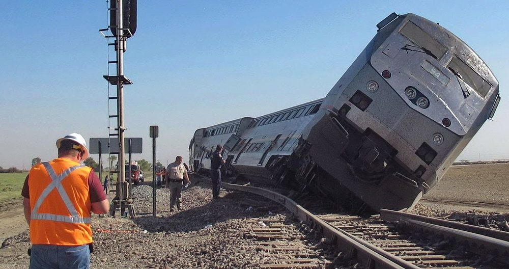 train-crash.jpg