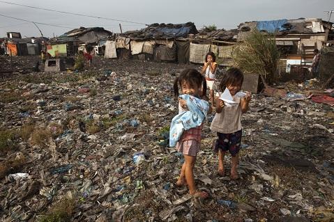 Slum-Manila.jpg