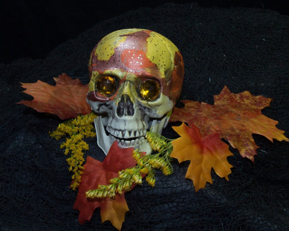 Autumn Season Skull     $30.00