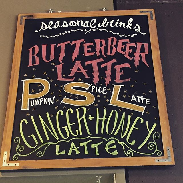 Seasonal drinks are in full swing! Get your hands on one of these and make this Monday a little less.... Monday-ish. . . .  #thepurpleonioncafe #po #psl #pumpkineverything #butterbeer #mpls #mondayvibes