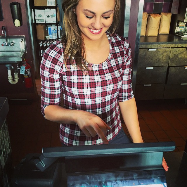 Barista Jessica is ready to take your order! Our kitchen is open until 7:30 p.m. 🍴
