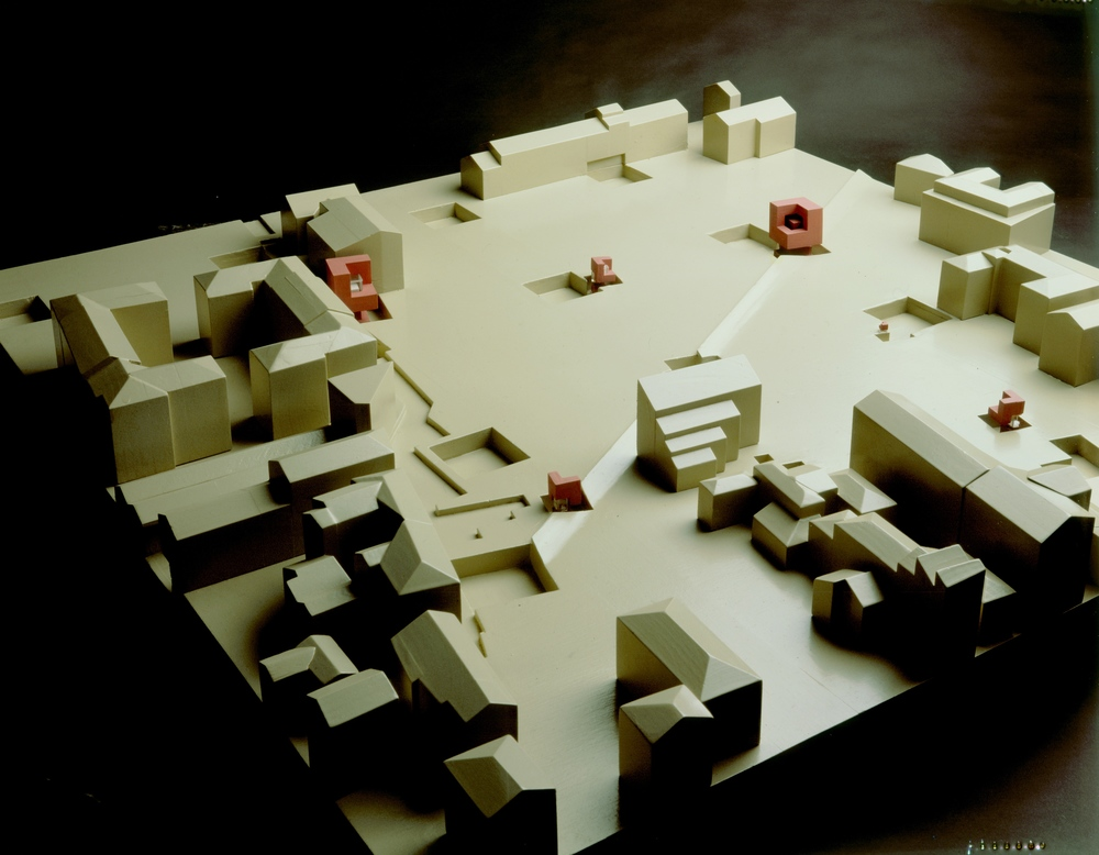 Model of Cannaregio project with House 11a at different scales (1978)