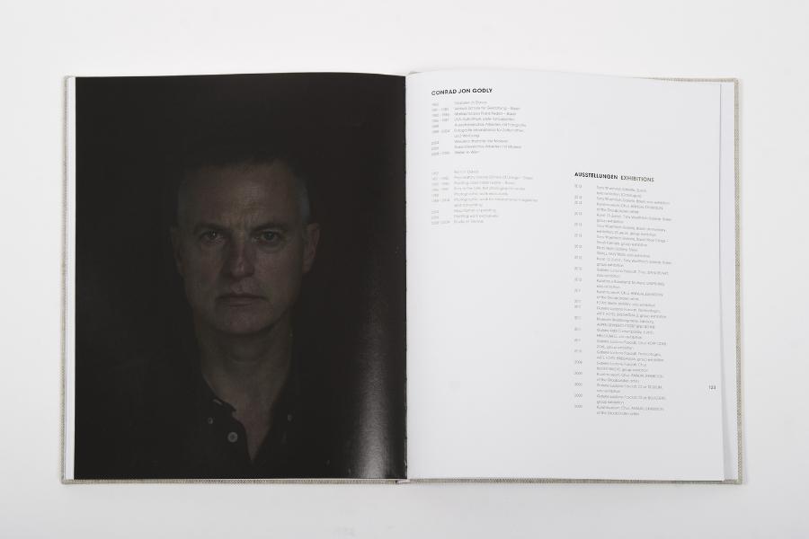 """porträt von conrad godly für denausstellungskatalog """"works+-"""", november 2013"""