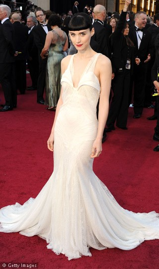 Rooney-Mara-Oscars-2012-Red-Carpet-Pictures-260212-1