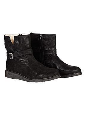 Sandwich Sheepskin Lined Boots £149
