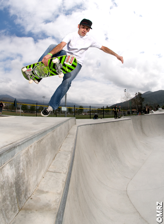 Pala Skateboard Park - Kevin Burke transferring in the flow section.
