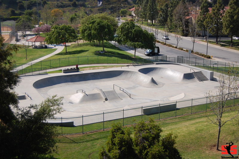 diamondbar_skatepark_concrete_bowl_overview_scs.jpg