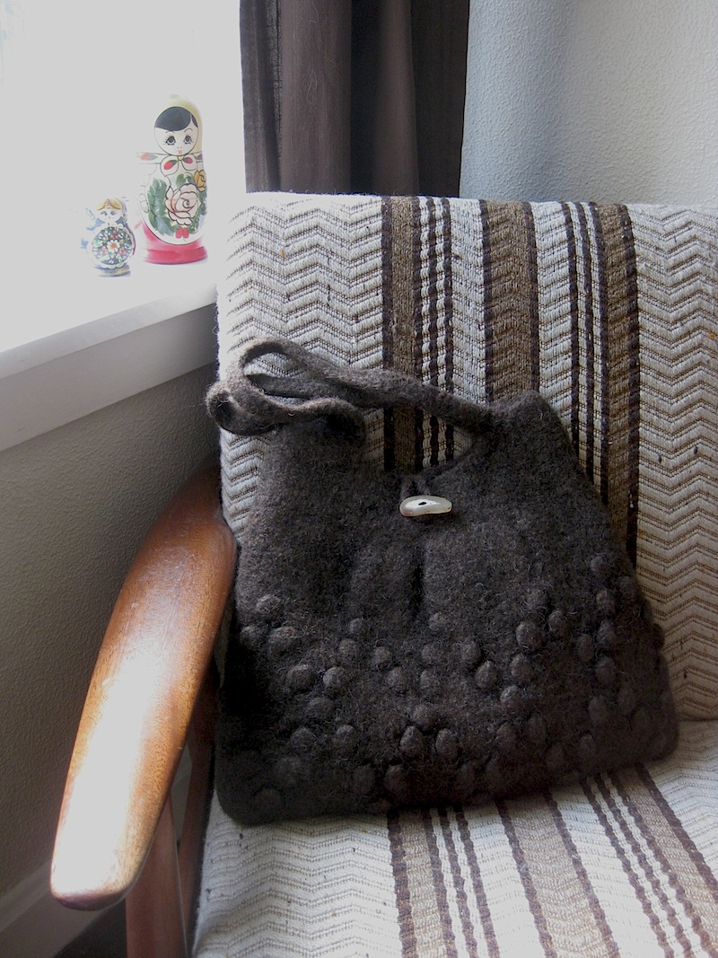 hand crocheted and felted bag_brown