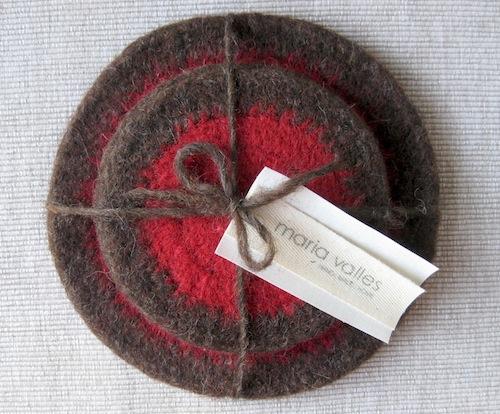 red trivet set