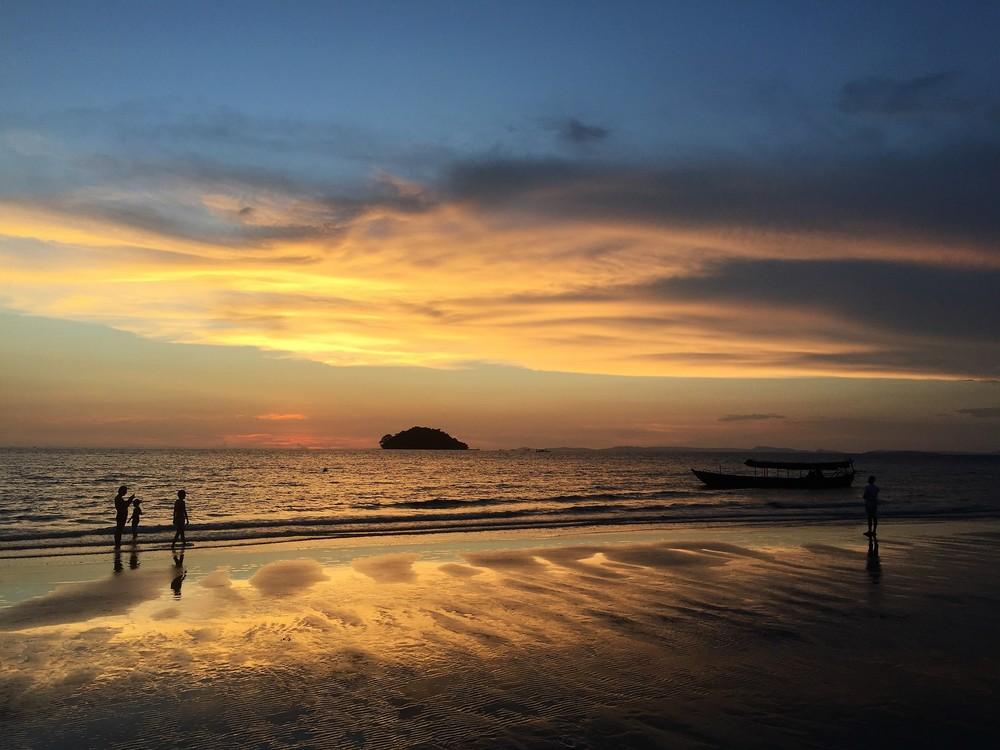 sunset sihanoukville