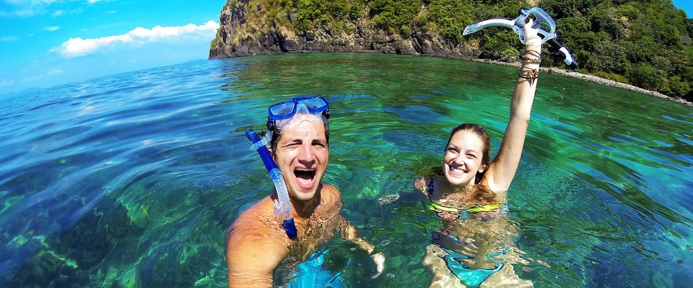 gopro snorkling couple