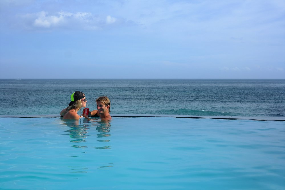 It's easy to get along in an infinity pool.