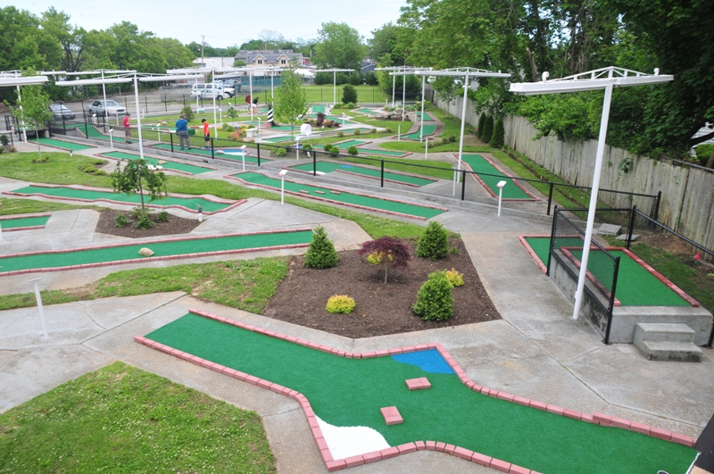 Bay Shore Mini Golf Green Course