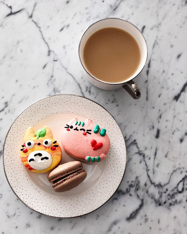 Bears love honey, and I'm a Pooh bear... I'm so rumbly in my tumbly, time for something sweet to eat 🍰🍯☕️ #winniethepooh #pusheen #totoro @honeyandbutter