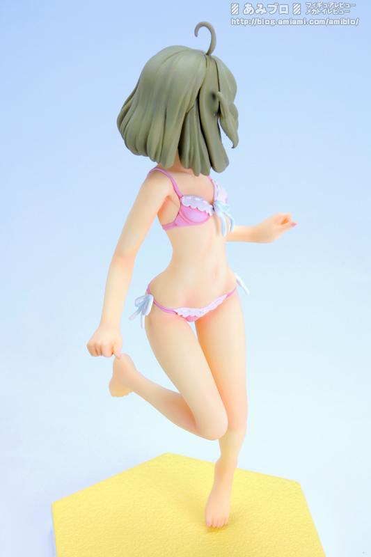 Sasami Tsukuyomi Beach Queen 5.jpg