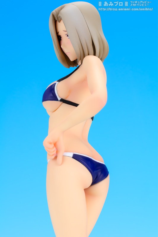 Rin Suzukaze Beach Queen 08.jpg