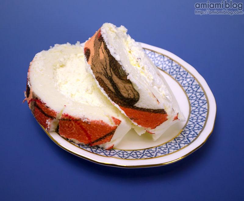 attack on roll cake (1).jpg