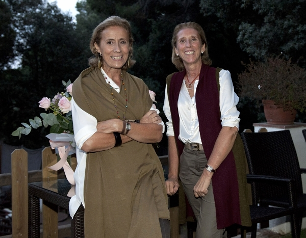 Marta and Carmen Ferrer Fisas, founders of BELLAHUELLA