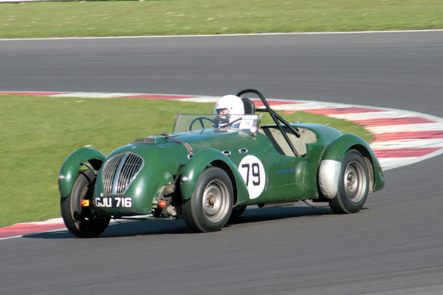 A fine drive by Grahame Bull netted him 9th and a class win in his Healey Silverstone.