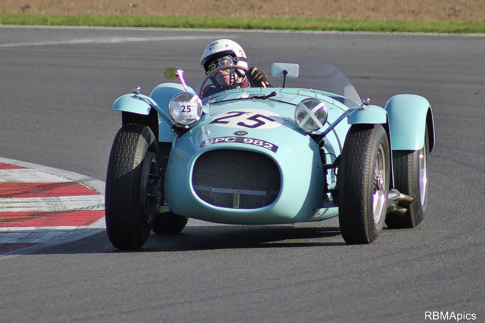 David Morris drove David Newmans wonderful HWM Jaguar to 7th. The following day he drove an ERA. Well, someone has to do it!Photo - Bob Bull (RBMApics)