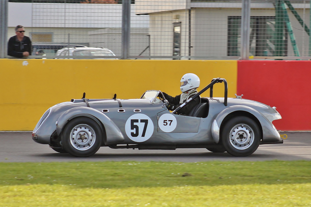 John Keatley lines up his Healey Silverstone brought over from Northern Ireland but sadly he lasted only 2 laps before a small wire got knocked off the master switch. And, surely that is our sponsor, Paul Woolmer looking on from the pitwall! Photo - Bob Bull (RBMApics)