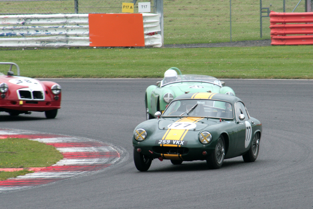 After a poor start, from pole, Mike Freeman took a few laps to get to the front Photo - John Turner