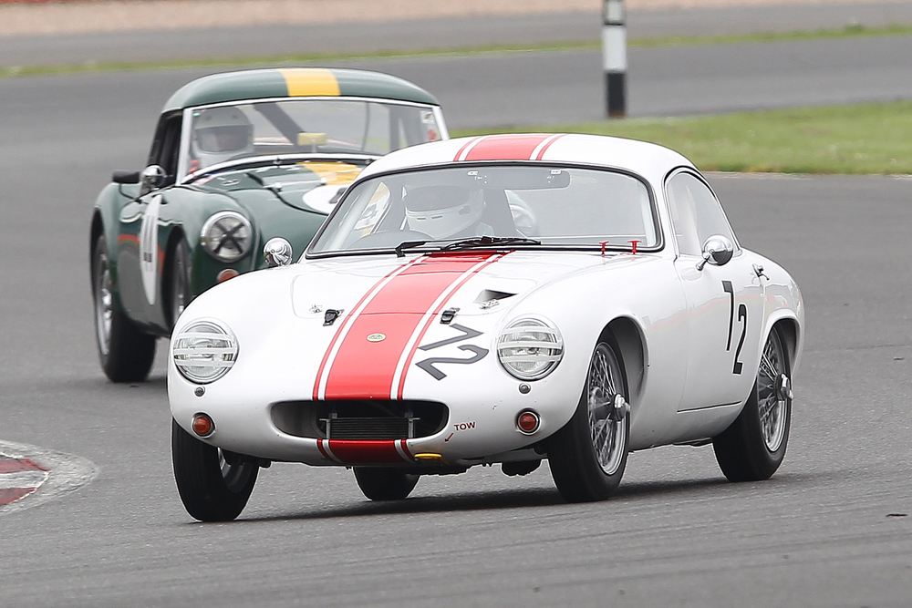John Waterson leads Edward Vandyk                                                                             Photo - Mick Walker