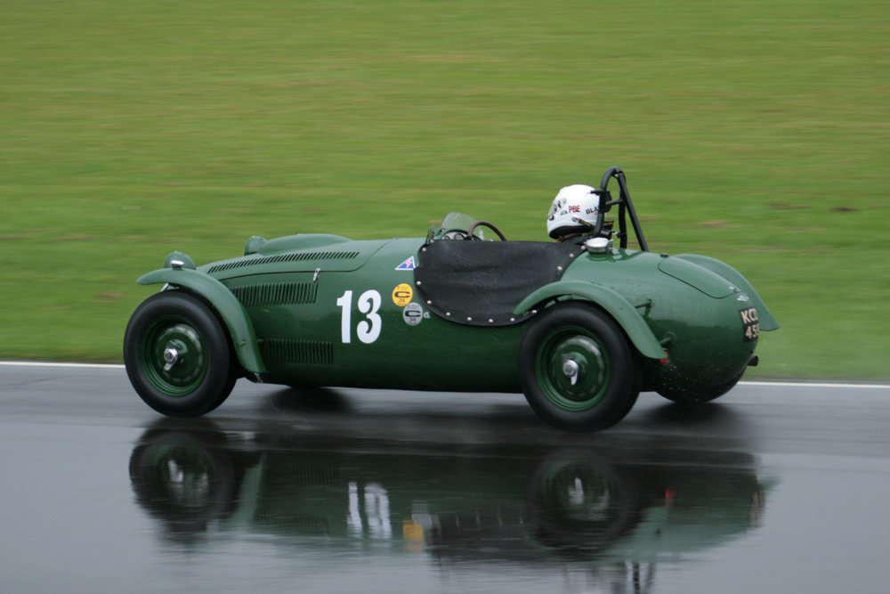 Patrick Blakeney-Edwards qualifies Martin Hunt's Frazer Nash Le Mans Replica                         Photo - John Turner