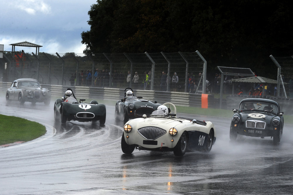 Excellent starts by Jason Harris (401) and Alex Quattlebaum (17) saw them move up several places on the first lap. On their outside respectively are Glenn Tollett in his MGA and Tim Pearce in the AC Ace Bristol. Also in shot is Paul de Havilland in his Jaguar XK150S.   Photo - Jeff Bloxham