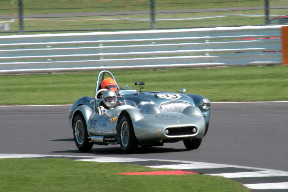 Stephen Bond heads into Luffield for the first time with Paul Kennelly in very close attendance.                       Photo - John Turner