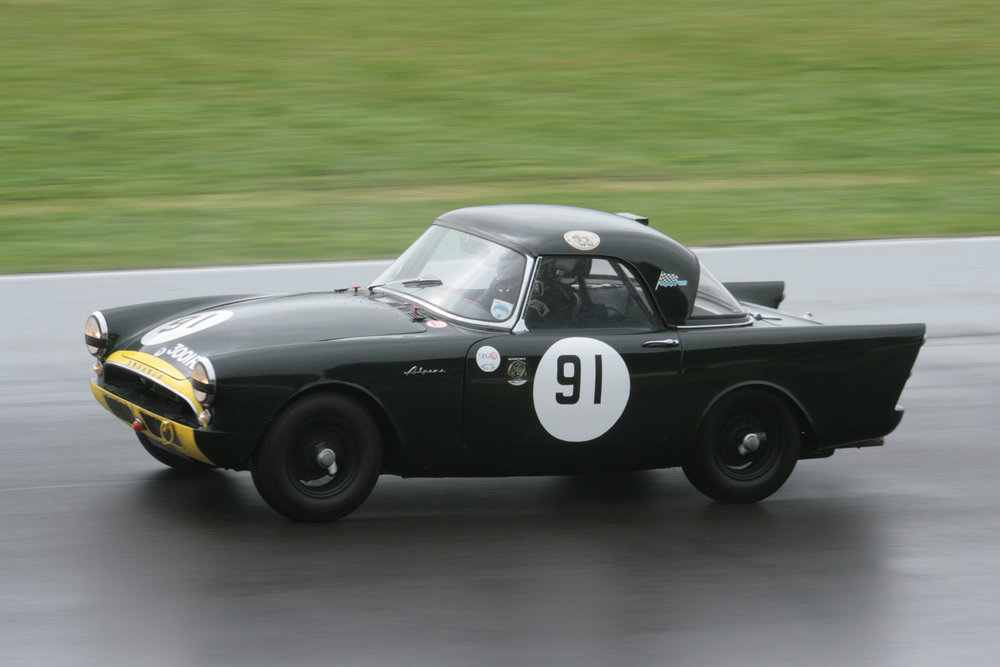 Tristan Bradfield qualifies Keith Hampson's Sunbeam Alpine Le Ma                                      Photo - John Turner