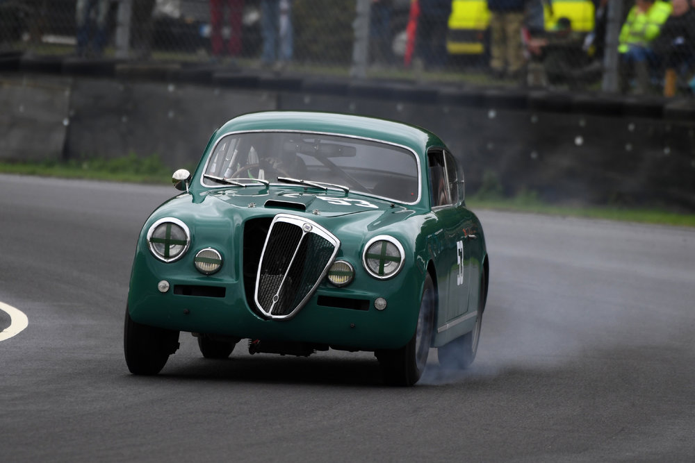 Highly innovative for its day was the Lancia's automatic grill vent to improve airflow when the engine got hot …… no not really. I believe it stayed connected to the car to the end. The Andrew Davenall/Peter Snowdon Lancia Aurelia.  Photo - Jeff Bloxham