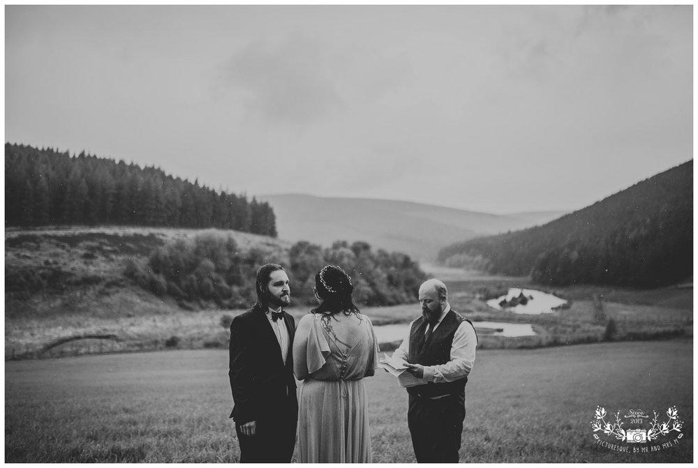 Cairngorms elopement, scottish elopement photography, Picturesquebymrandmrsm_0035.jpg