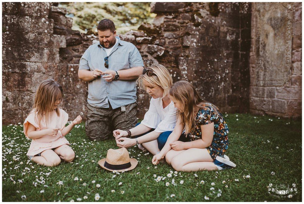 Family photography, Dryburgh Abbey, Falkirk, Glasgow, Edinburgh_0006.jpg