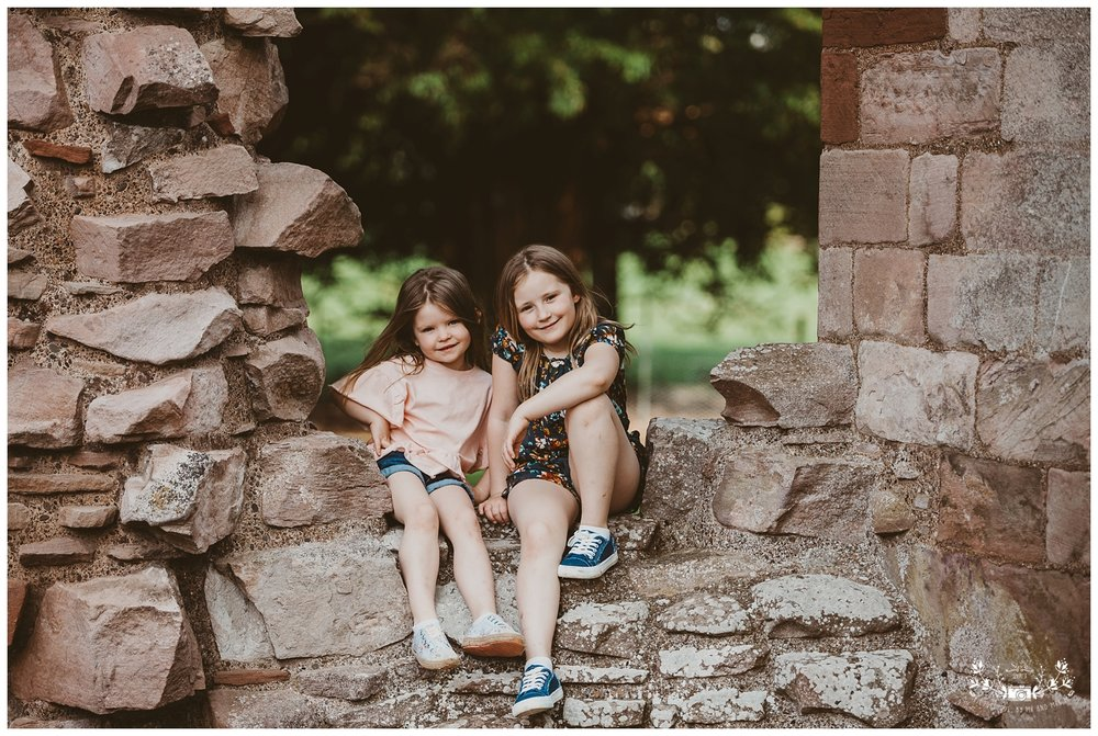 Family photography, Dryburgh Abbey, Falkirk, Glasgow, Edinburgh_0034.jpg