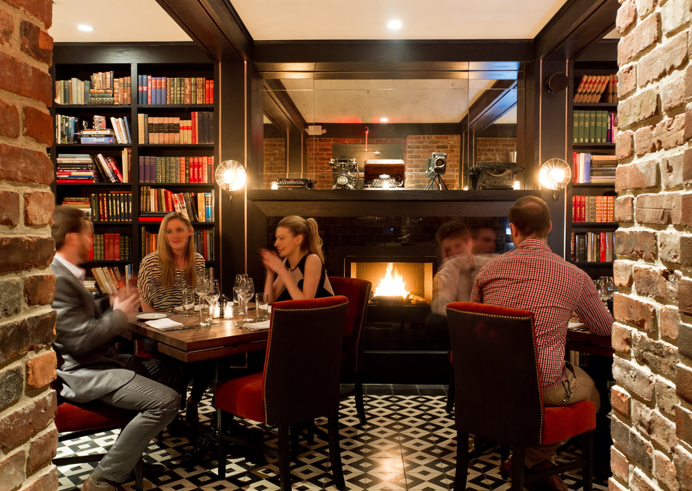 9 NYC Bars and Restaurants with Fireplaces: Perfect for Your ...