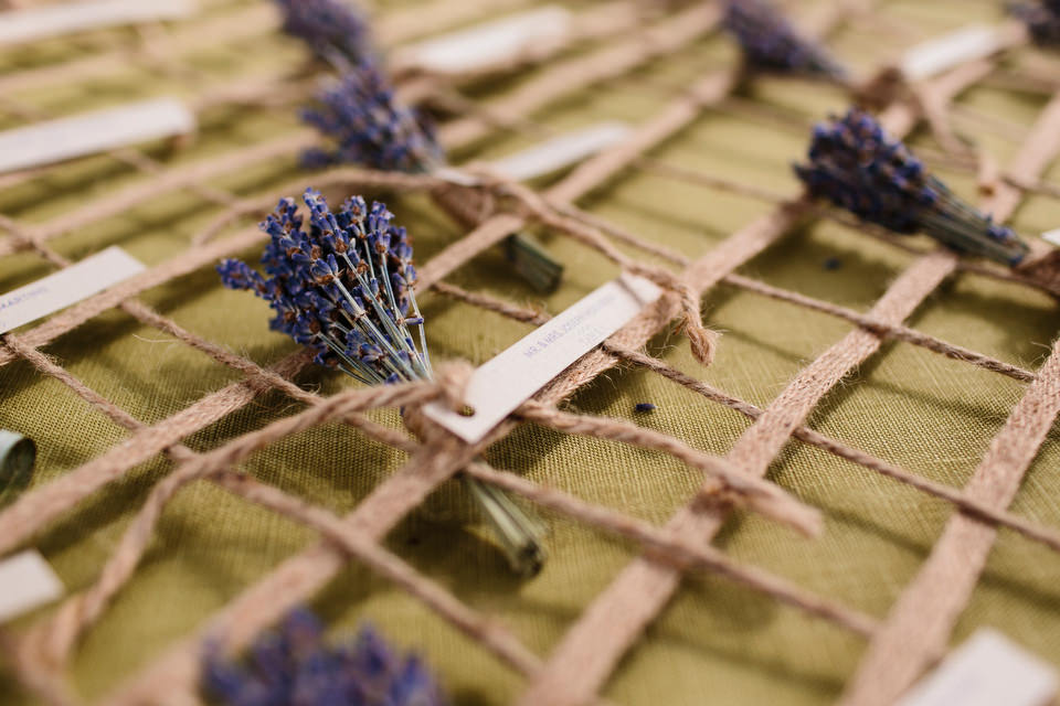 lavender name cards for guests