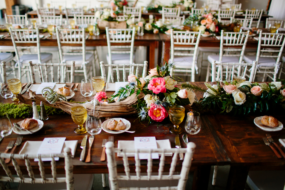 driftwood table arrangements