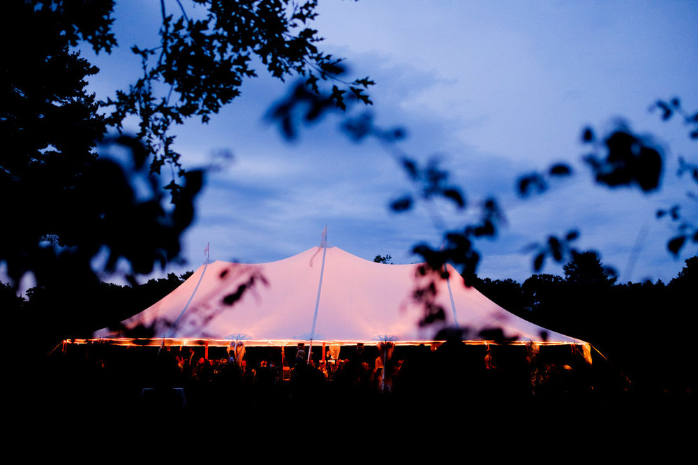 sperry tent wedding at glen magna farms