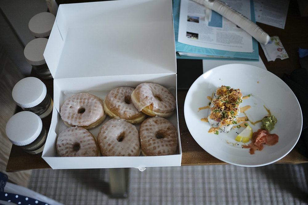 sushi-and-donuts-at-Seaport-Hotel-wedding-Boston.jpg