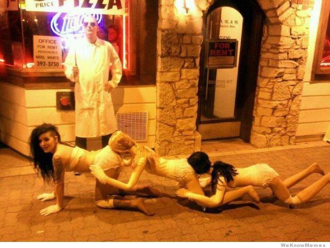 funny-halloween-costume-human-centipede.jpg